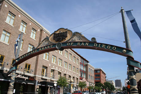 Picture of the Gaslamp65=-08765